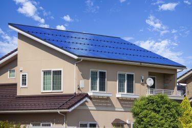太陽光発電の発電効率は何で決まる?